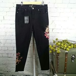 NWT Seven embroidered high rise ankle skinny jean